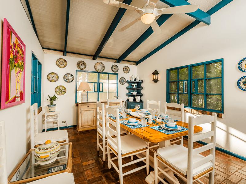 Blue Villa - Dinning Area