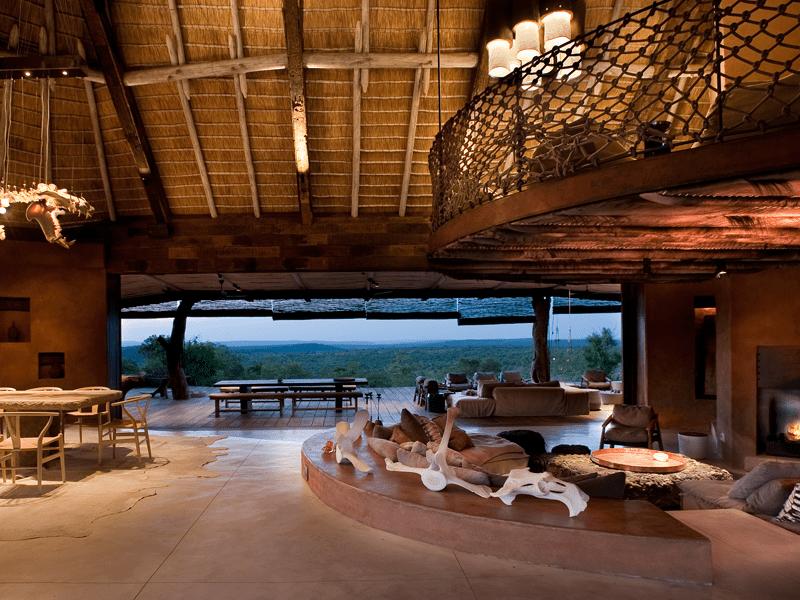 The Observatory - Lobo - Sitting Room