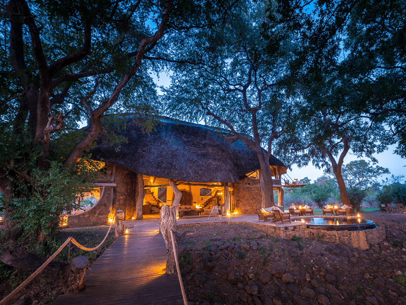 Luangwa Safari House - At Dusk