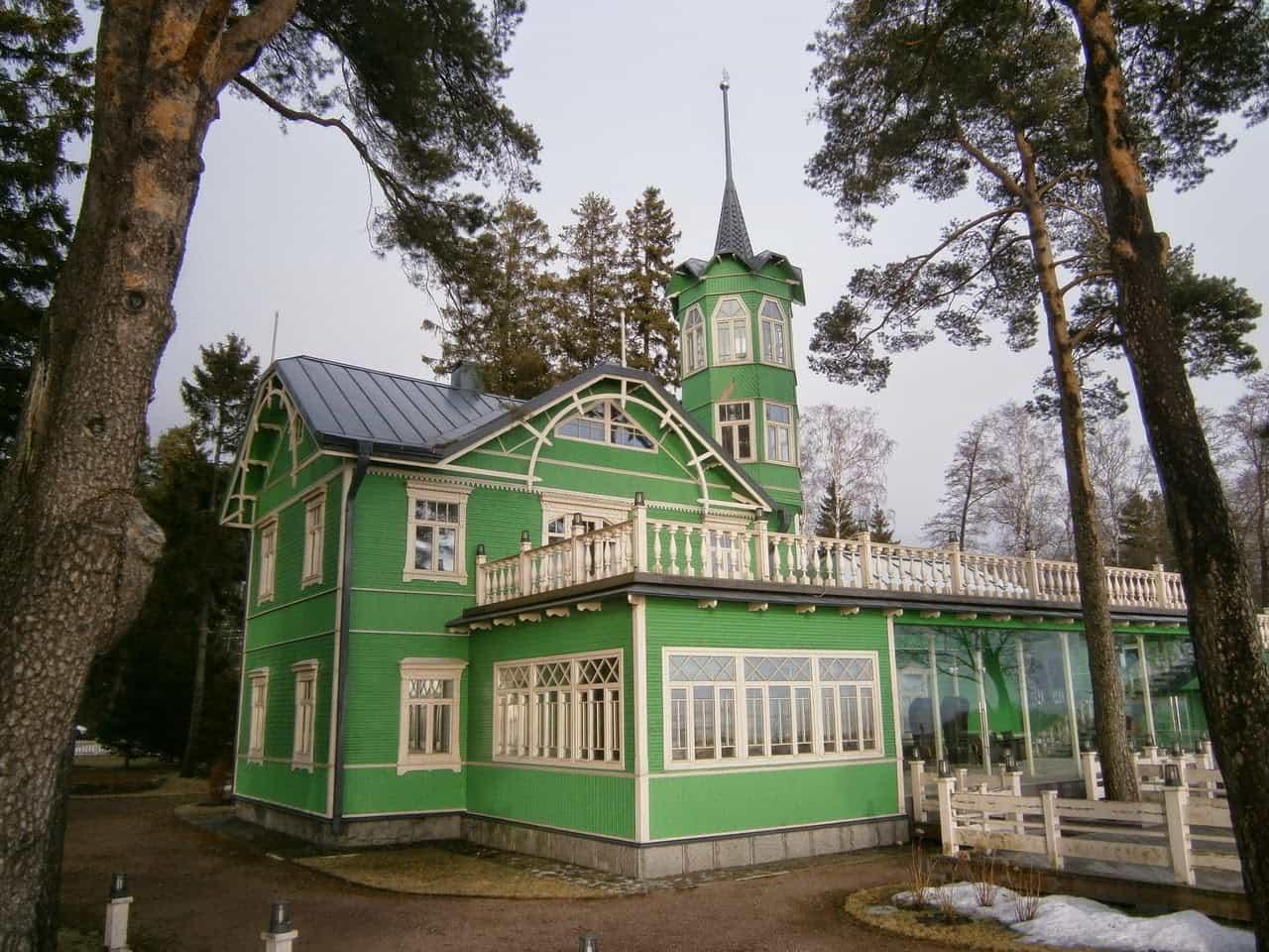Russia - Dacha Green