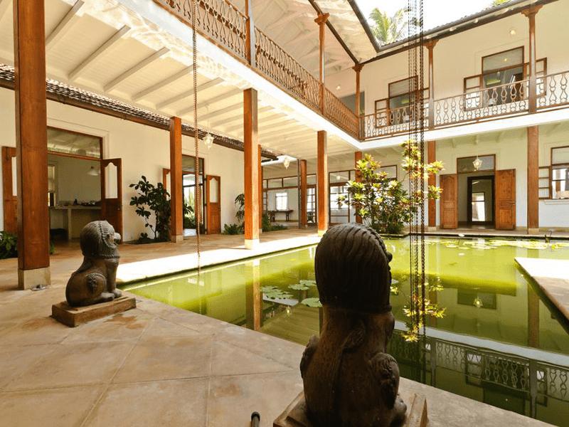 Skye House - Courtyard