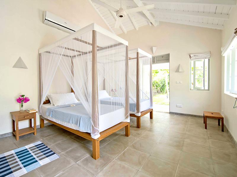 Suriyawatta-Bedroom-2