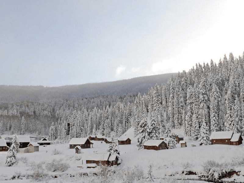 Winter Road Trip - Cabins