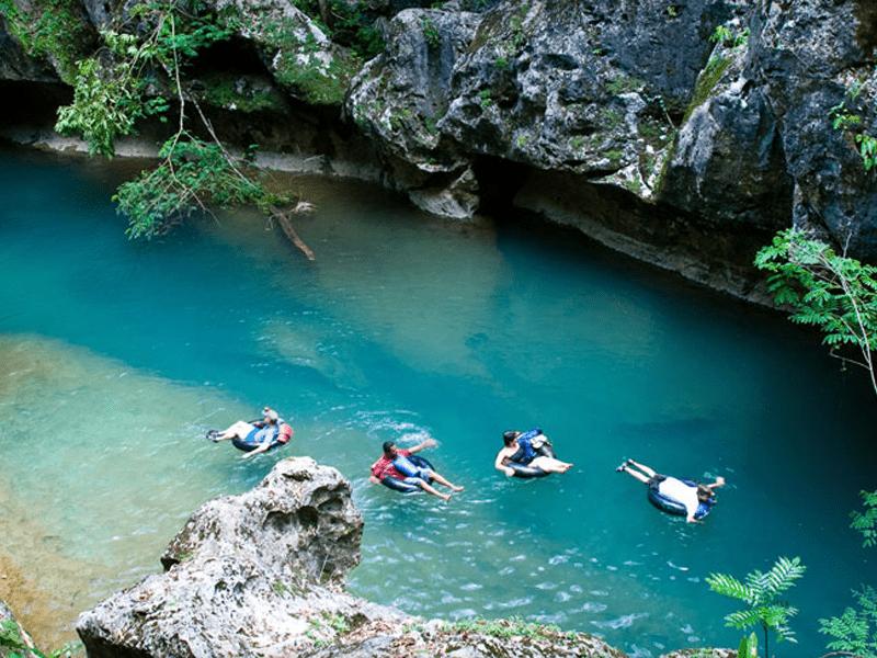 Belize - Tubing