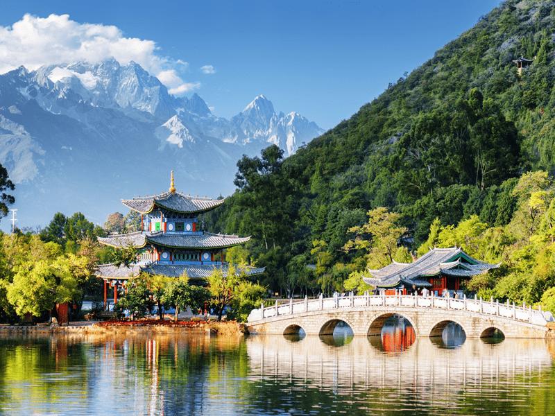 Mountains And Lakes - Jade Dragon